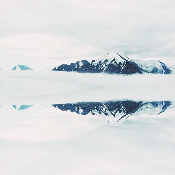The peaks of Lowell Glacier via @pauloctavious.